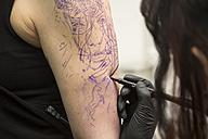 Tattoo artist at work - TAMF000016