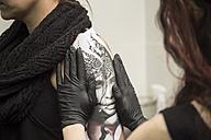 Tattoo artist at work - TAMF000018