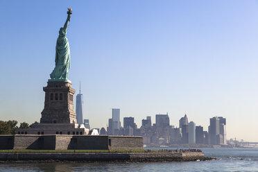 USA, New York City, Statue of Liberty - GIOF000042