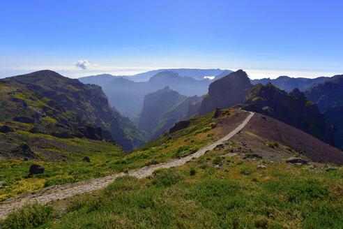 Portugal, Madeira, Pico Ruivo, hiking trail - FDF000120
