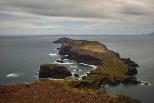 Portugal, Madeira, rocky atlantic coast - FDF000122