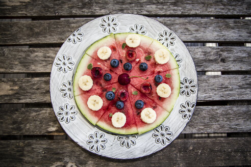Watermelon pizza, banana, blueberries, cherries, mint - SARF002011