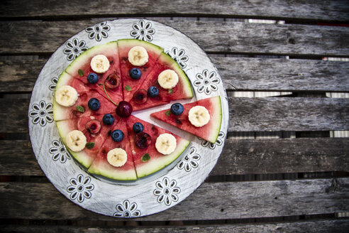 Watermelon pizza, banana, blueberries, cherries, mint - SARF002014