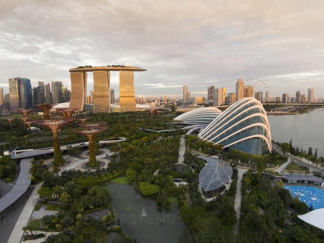 Singapore, Gardens by the bay at Marina Bay - EAF000005 - Eyes on Asia/Westend61