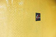 'No smoking' on yellow tiles - VIF000335