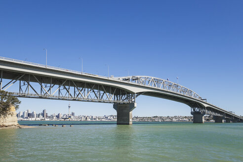 New Zealand, Auckland, Harbour Bridge with Skyline - GWF004251