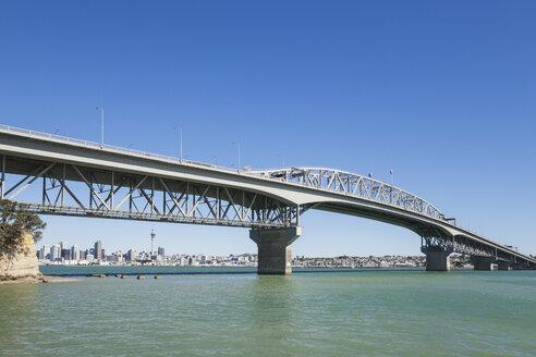 New Zealand, Auckland, Harbour Bridge with Skyline - GWF004251