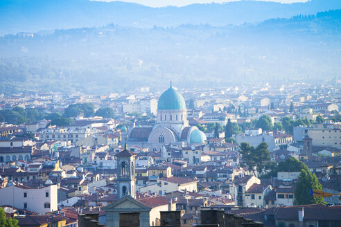 Italy, Florence, cityscape as seen from Piazzale Michelangelo - MAEF010807
