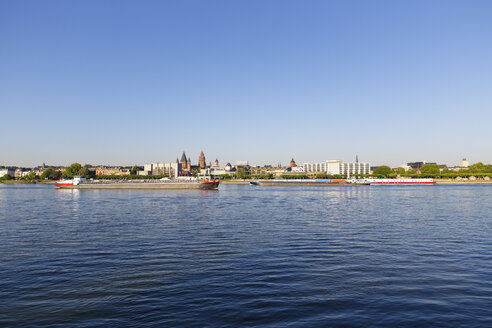 Germany, Mainz, view to skyline with Rhine River in the foreground - SIEF006647