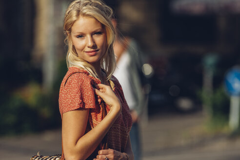 Portrait of young blond woman - CHAF000777