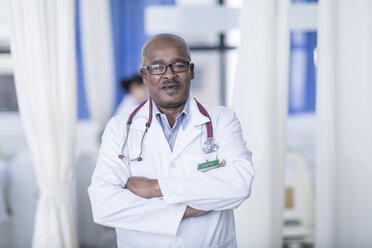 Portrait of confident doctor - ZEF006118