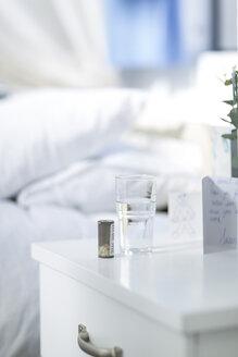 Medicine on hospital bedside table - ZEF006540