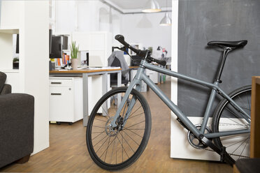 Bicycle in office - FKF001330