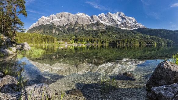 Germany, Bavaria, Garmisch-Partenkirchen, Grainau, Wetterstein mountains, Zugspitze with Lake Eibsee - STSF000824