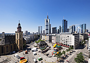 Germany, Frankfurt, cityscape with St. Catherine's Church, Hauptwache and financial district - SIEF006665