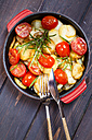Fried potatoes with tomatoes and rosmary - SBDF002194