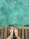 Feet at the ocean - TOVF000004