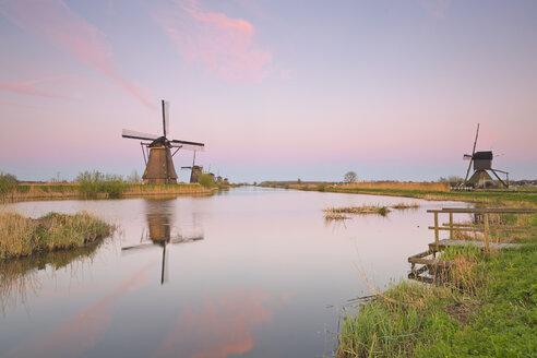 Netherlands, Kinderdijk, Kinderdijk wind mills at twilight - MEMF000898