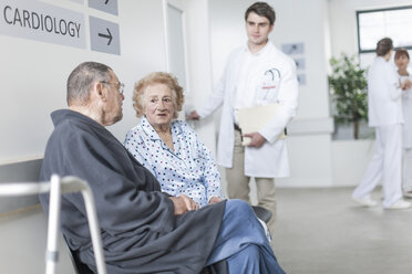 Elderly patients waiting in hospital - ZEF007286