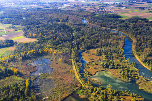 Germany, Bavaria, Deggendorf, Danube river, Isar river mouth, alluvial forest, aerial view - PEDF000010