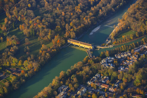 Germany, Bavaria, Munich, Oberfoehring weir at Isar river - PEDF000115