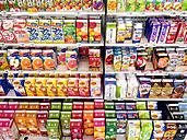 Japan, Juices in supermarket - FL001210