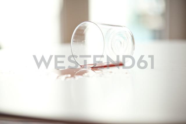 Glass has fallen down - MFRF000357