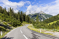 Austria, Tyrol, Mountain pass to Hahntennjoch - STSF000845