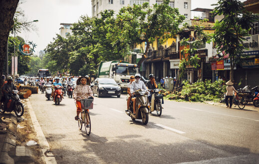 Vietnam, Hanoi, traffic on a busy road - EH000137