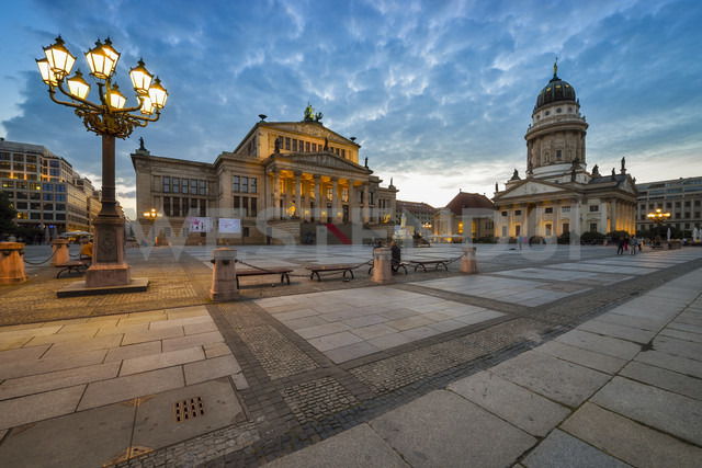 Germany, Berlin, view to Konzerthaus and French Cathedral at Gendarmenmarkt - RJF000484