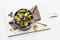 Bowl of mixed salad with edible flowers - EVGF002074