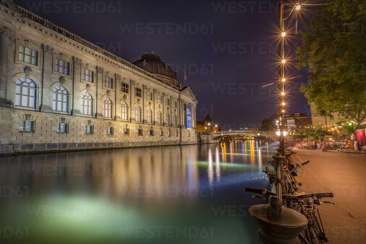 Germany, Berlin, Bode Museum Spree river and illuminated promenade at night - NKF000353 - Stefan Kunert/Westend61