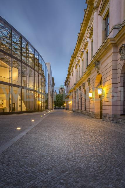 Germany, Berlin, narrow cobblestone street between modern and historic facades of German Historic Museum - NK000374