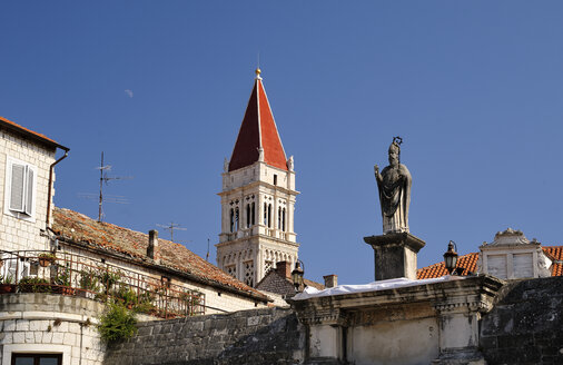 Croatia, Trogir, Cathedral of St Laurentius, spire - BTF000337