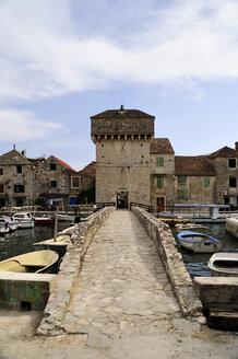 Croatia, Kastela, Kastel Gomilica, Gomile island, bridge - BTF000383