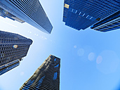 USA, Illinois, Chicago, High-rise buildings, Aon Center, Aqua Tower, from below - DISF002176