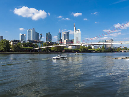 Germany, Hesse, Frankfurt, Financial district, Holbeinsteg bridge over Main river - AM004144