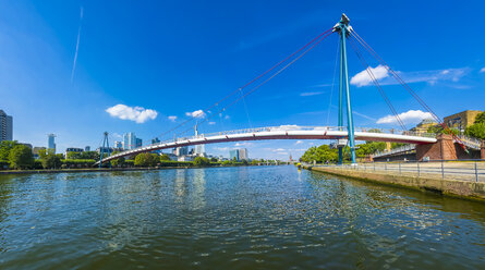Germany, Hesse, Frankfurt, Financial district, Holbeinsteg bridge over Main river - AMF004151