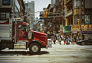 USA, New York City, Street life in Chinatown - ON000896