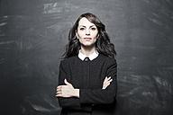 Portrait of a dark haired businesswoman - FMKYF000630