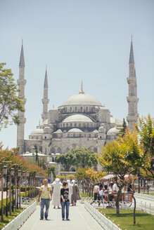 Turkey, Istanbul, Sultanahmet, view to Blue Mosque - BZF000239