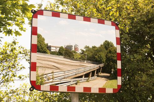 Traffic mirror of a parking level - VIF000382