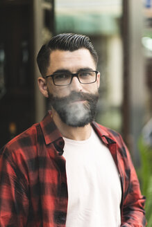 Portrait of smoking hipster - JASF000058