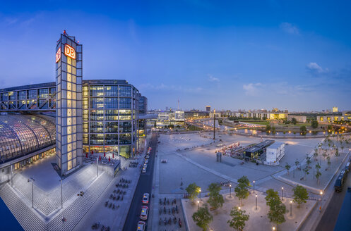 Germany, Berlin, Central Station and Washingtonplatz at twilight - NK000399