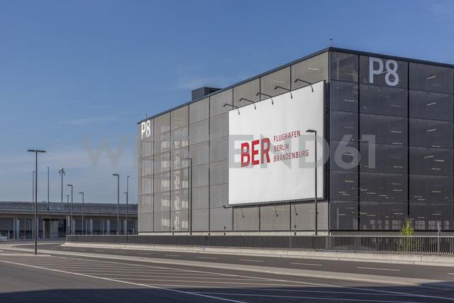 Germany, Berlin Brandenburg Airport, car park - NK000403 - Stefan Kunert/Westend61