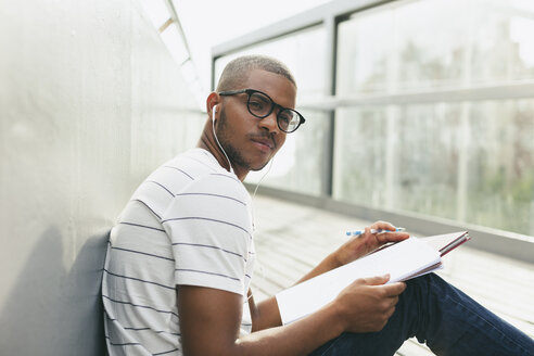 Young Afro-american man studying language - EBSF000869