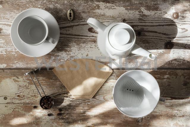 Accessories for preparing filter coffee - EVGF002170 - Eva Gruendemann/Westend61