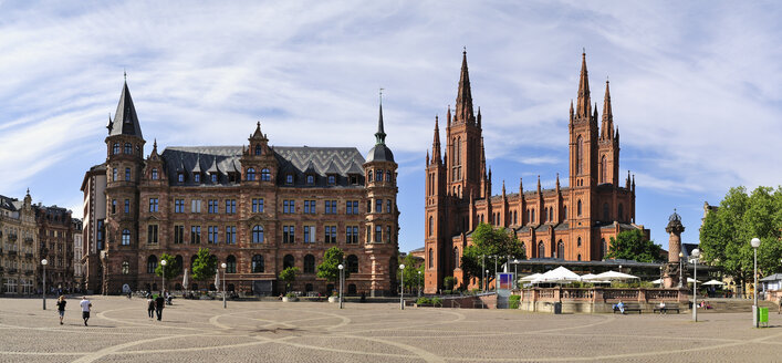 Germany, Hesse, Wiesbaden, Market church and new town hall left - BTF000393