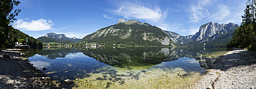 Austria, Styria, Altaussee, lake with Trisselwand at Totes Gebirge - WWF003872