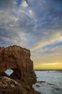 Australia, natural arch at sunset - TOVF000029